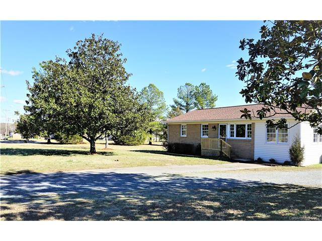 6916 Mill Grove Drive, Lake Park in Union County, NC 28079 Home for Sale