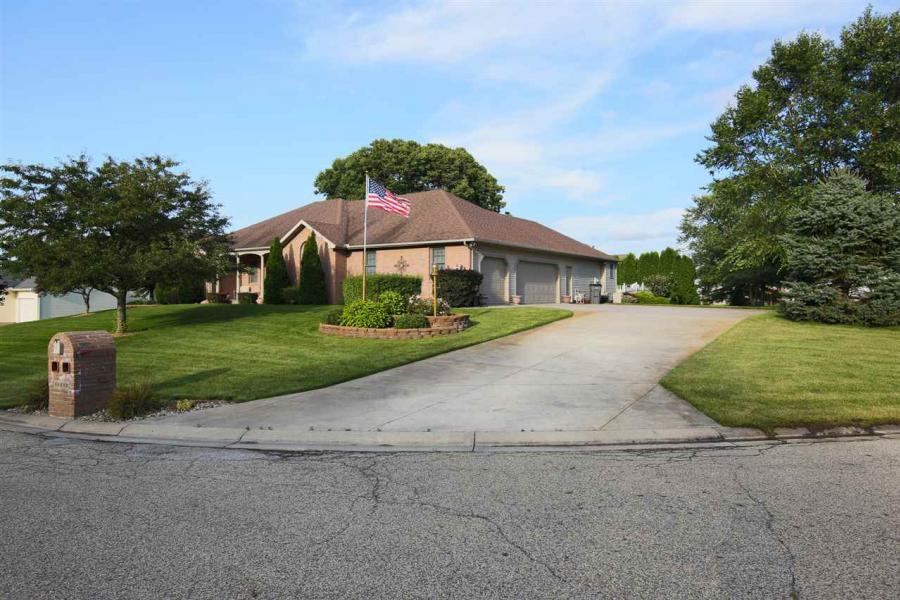 60880 Clover Ridge Court, Elkhart, Indiana