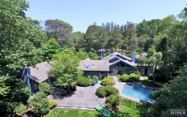 876 Aztec Trail, Franklin Lakes, New Jersey