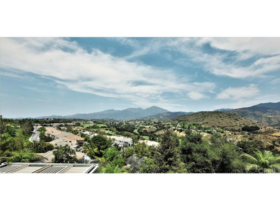 18 Mountain Laurel, Silverado Canyon, California